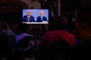 Ông Trump một lần nữa thua cuộc trước Joe Biden trong phiên tranh luận cuối cùng
