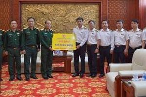 Tổng Kiểm toán Nhà nước trao quà tới thân nhân cán bộ, chiến sĩ hy sinh khi làm nhiệm vụ