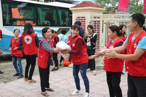 Hội Chữ thập đỏ Hà Nội tiếp tục kêu gọi cộng đồng chung tay hỗ trợ người dân miền Trung
