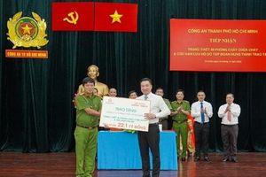 Hưng Thịnh tặng thiết bị cứu nạn 22,1 tỷ đồng cho TP.HCM