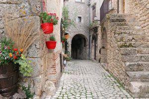 Một ngôi làng ở Ý trả tiền người dân đến sinh sống