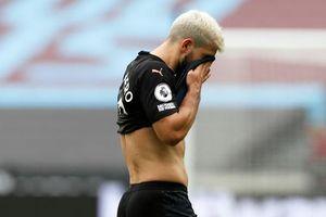 Aguero 'tịt ngòi', Man City chia điểm thất vọng