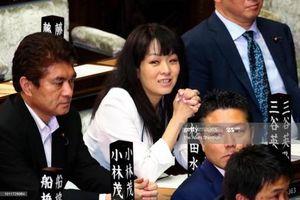Phụ nữ 'lép vế' trên chính trường Nhật Bản