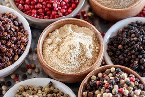 Giá nguyên liệu hôm nay 24/10: Giá tiêu chững lại, giá cà phê quay đầu tăng