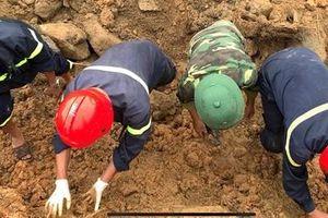 Chạy đua thời gian, đào bới từng khối đất đá tìm nạn nhân tại Rào Trăng 3