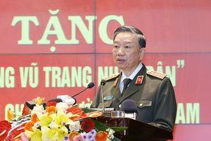 'Lực lượng công an chi viện chiến trường miền Nam' đón nhận danh hiệu 'Anh hùng Lực lượng vũ trang nhân dân'