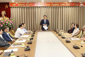 Bí thư Thành ủy Vương Đình Huệ đề nghị các kiến trúc sư hiến kế phát triển đô thị Thủ đô