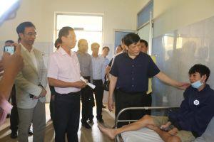 Quyền Bộ trưởng Nguyễn Thanh Long kiểm tra công tác khắc phục hậu quả mưa lũ tại BVĐK Lệ Thủy- Quảng Bình