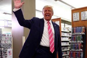 'Bầu cho một người tên Trump', Tổng thống Trump 'đánh' chớp nhoáng 3 bang