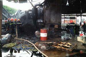 Lò hơi nổ như bom, xưởng tái chế giấy tan hoang, 2 người thương vong