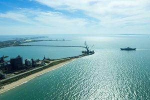 Nổ tàu chở dầu của Nga trên biển Azov, 3 người mất tích