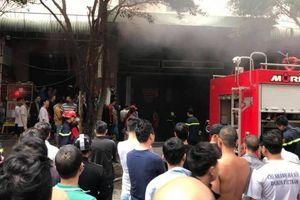 Hà Nội: Cháy tại hầm chung cư Đại Thanh, cư dân hoảng hốt chạy xuống sảnh