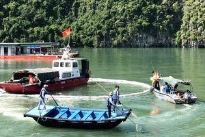Thực tập chữa cháy, CNCH và ứng phó sự cố tràn dầu trên Vịnh Hạ Long