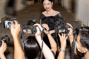 'Nữ hoàng thị phi' Angela Phương Trinh xuất hiện nổi bật, chiếm trọn sự chú ý sau thời gian dài ở ẩn