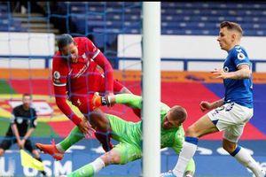 Sao Lyon bị 'ném đá' vì công khai 'tình cảm' với thủ quân Liverpool