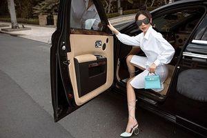 'Bạn thân Ngọc Trinh' sở hữu xế hộp Rolls Royce 25 tỷ đồng.