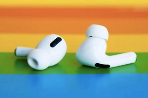 Lộ thông tin hấp dẫn về tai nghe AirPods khiến fan Apple sướng rơn