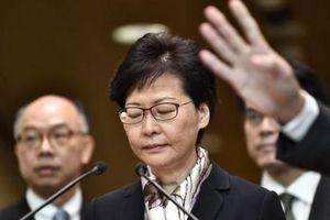 Đặc khu trưởng Hồng Kông thăm Bắc Kinh bàn kế hoạch vực dậy nền kinh tế
