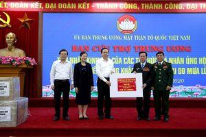 CCB Lê Văn Kiểm và gia đình ủng hộ người nghèo và đồng bào vùng lũ lụt 31,8 tỷ đồng