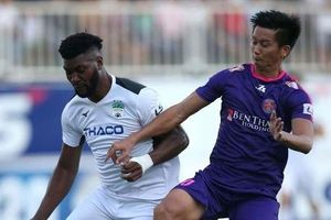 Ném bóng vào mặt Hồng Duy, cầu thủ 'hiền nhất Sài Gòn FC' nhận án treo giò