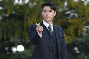 Hyun Bin được khen dù mặc suit đơn giản
