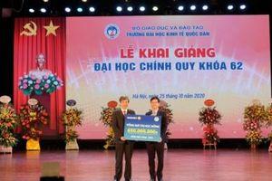 Bảo Việt trao 650 triệu đồng học bổng cho sinh viên ĐH Kinh tế Quốc dân