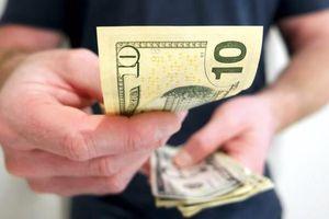 'Mùa tiền rẻ' sẽ duy trì đến khi nào?