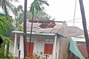 Bão số 9 làm hàng nghìn ngôi nhà tại tỉnh Bình Định bị tốc mái