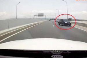 Ô tô đi lùi, đi ngược chiều trên cao tốc bị xử phạt thế nào?