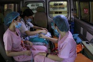Hành trình hớn 600km cứu bé 7 ngày tuổi bị bệnh tim bẩm sinh