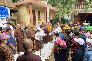 Phật giáo Q.Gò Vấp chia sẻ với người dân Quảng Nam, Huế