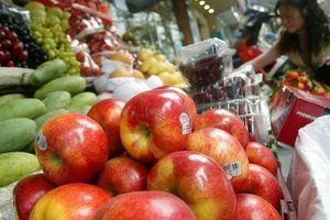 Hà Nội: Siết chặt kiểm soát, lập 'trật tự' các cửa hàng kinh doanh trái cây