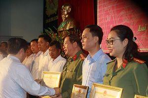 Hỗ trợ xây, sửa chữa nhà cho 1062 hộ nghèo huyện Mường Tè
