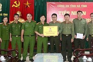 Học viện CSND ủng hộ Công an tỉnh Hà Tĩnh 100 triệu đồng