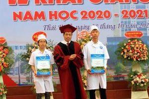 Trường Đại học Y Dược Thái Bình khai giảng năm học mới