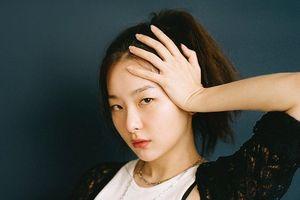 Đâu chỉ riêng Jennie, hóa ra Seulgi (Red Velvet) cũng gia nhập hội không thích đeo nhẫn