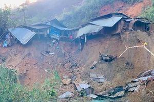 Quảng Nam: Thêm điểm sạt lở tại xã Phước Lộc vùi lấp 11 người