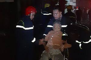 Kịp thời cứu cụ bà trong đám cháy