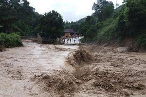 Bộ Y tế yêu cầu bệnh viện ở Đà Nẵng kích hoạt đội cơ động để hỗ trợ y tế cho Quảng Nam sau bão lũ