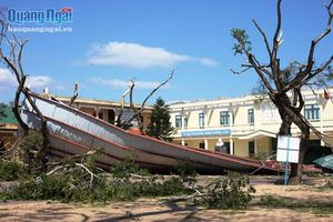 Trường học ven biển thiệt hại nặng sau bão