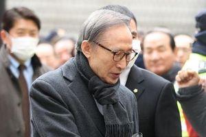Cựu Tổng thống Hàn Quốc Lee Myung-bak bị kết án 17 năm tù
