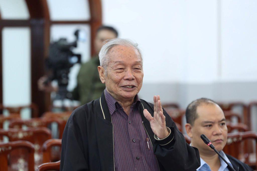 'Đổi mới chính trị hơi chậm, Đại hội XIII cần có quyết sách'