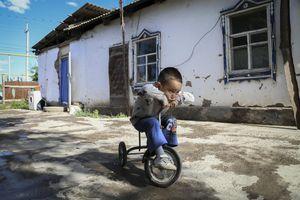 Nỗi sợ dai dẳng của các gia đình có ba con ở Trung Quốc