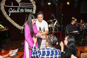 Nghệ sĩ TP Hồ Chí Minh tổ chức đêm nhạc 'Gánh yêu thương' vận động hơn 1 tỷ đồng ủng hộ miền Trung
