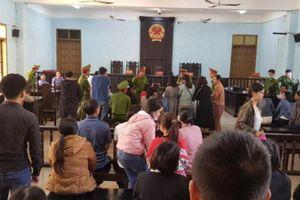 Hoãn phiên xét xử cựu Chủ tịch huyện Đức Cơ và đồng phạm tham ô tài sản