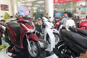 Xe máy đua giảm giá, khuyến mại 'cứu' doanh số