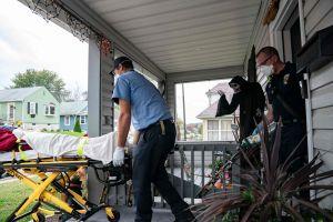 Mỹ: Cứ 107 giây lại có 1 người chết vì COVID-19