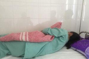 Người phụ nữ bị hành hung trong tình trạng lõa thể