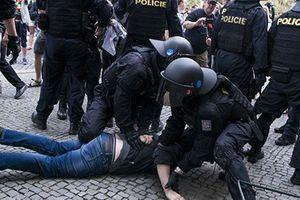 Các lực lượng CH Séc diễn tập tình huống giải cứu 2.000 con tin