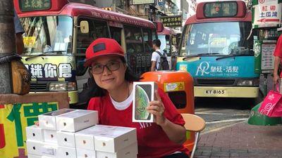 iPhone XS ngàn đô bán la liệt như rau tại chợ đen Hồng Kông
